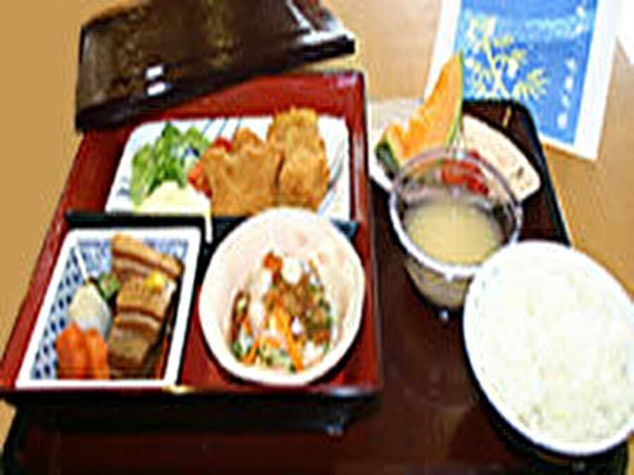 グラード名古屋駅前【食事例】
